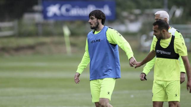 El excadista Eugeni, ahora jugador del Huesca, sí está convocado. Foto: Heraldo.