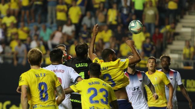 Fali le ganó en el salto a Casto en la victoria ante el Extremadura.