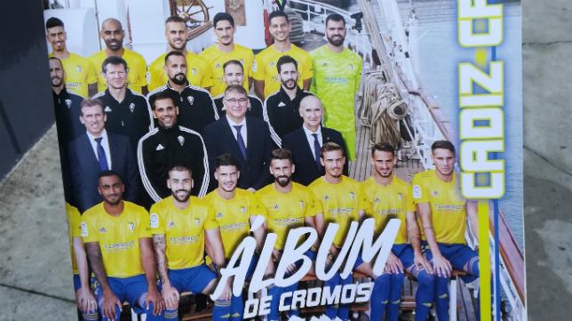 Álbum de cromos del Cádiz CF de la temporada 2019/2020.