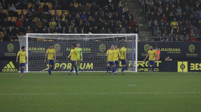 Hasta cuatro goles concedió en casa el Cádiz CF al Numancia.