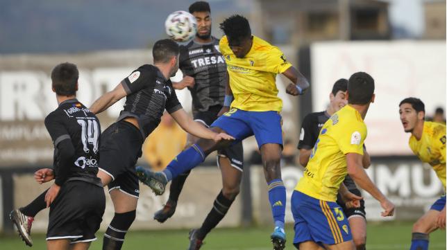Saturday ya ha debutado con el primer equipo del Cádiz CF.