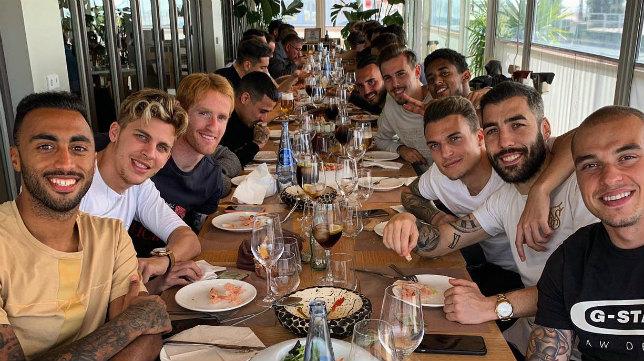 Los jugadores disfrutaron de una comida de convivencia.