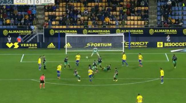 El central le pegó con el alma para marcar el gol. Foto: Antonio Vázquez