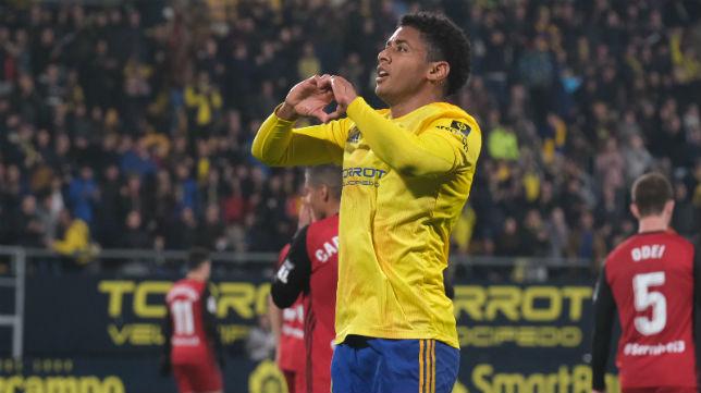 Lozano celebra el 1-0 ante el Mirandés