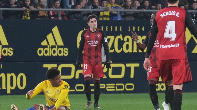 Merquelanz marcó un gol y participó en el otro del Mirandés