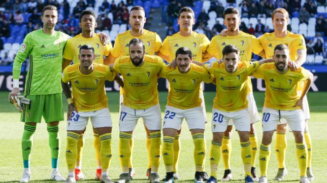 Once titular del Cádiz CF en Riazor.