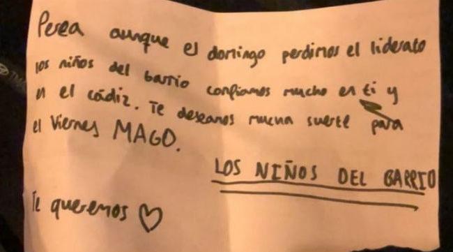 Esta es la nota que le han dejado a Perea en su coche