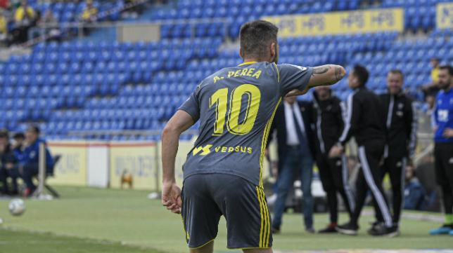 Perea celebra su gol.