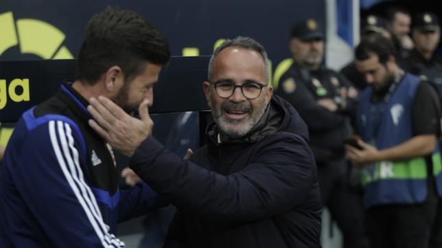 Cervera saluda al segundo entrenador del Almería