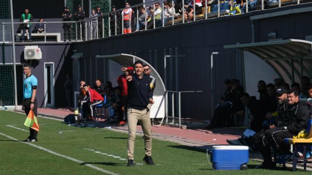 Juanma Pavón, entrenador del Cádiz B.