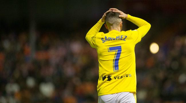 Salvi se lleva las manos a la cabeza durante el partido en Lugo.