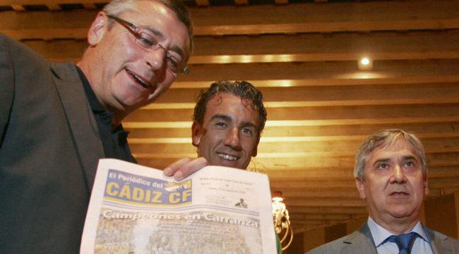 Michael Robinson con Oli y Antonio Muñoz