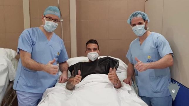 Luismi Quezada ha sido intervenido con éxito en Madrid. Foto: Cádiz CF.