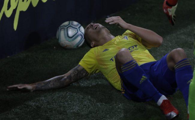 Luismi Quezada sufrió la temida triada en el choque ante el Rayo.