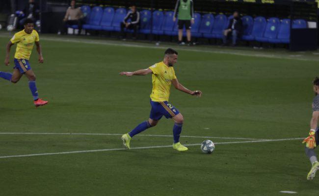 El delantero Álvaro Giménez marcó el gol del empate del Cádiz CF ante el Rayo Vallecano.