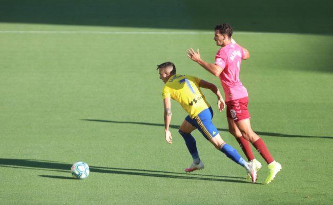 El Cádiz CF no pierde el liderato.