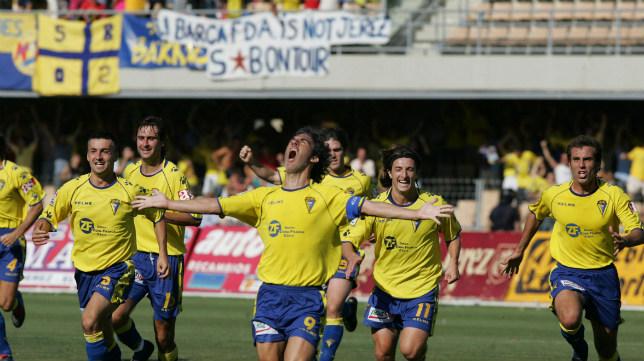 Oli celebra el gol en Chapín.