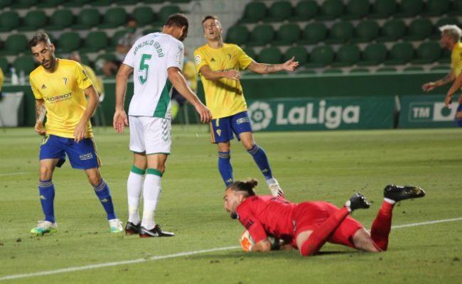 El Cádiz CF no pasó del empate en Elche.