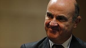 Economía garantiza a Bruselas que España cumplirá sus objetivos de déficit este año y en 2016