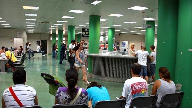 El sepe pag 563 millones en prestaciones por paro for Oficina de desempleo malaga