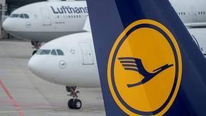 Lufthansa cancelará 933 nuevos vuelos este jueves por la huelga de auxiliares de vuelo