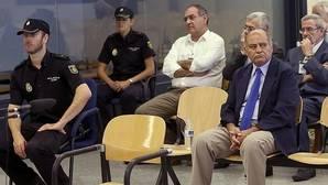 La Audiencia Nacional aplaza el juicio a Díaz Ferrán porque su audífono no funciona