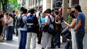 En total, en España en el último cuatrimestre de 2015 había 687.600 parados de edades comprendidas entre los 16 y 24 años