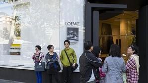 La crisis ha reforzado la polarización del consumo: o lujo o bajo coste