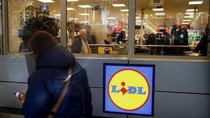 Lidl firma su primer convenio colectivo y asegura que fija el sueldo mínimo más elevado del sector