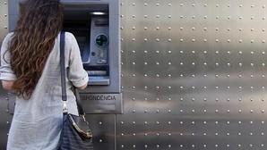 Las fusiones en la banca recortarán cerca de 15.000 empleos hasta 2019