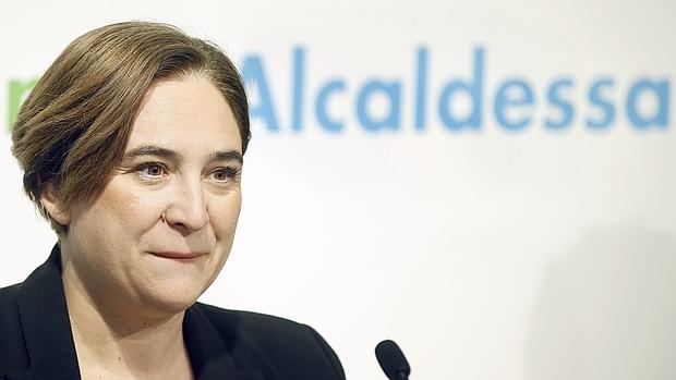La alcaldesa de Barcelona, Ada Colau, propne limitar el precio del alquiler