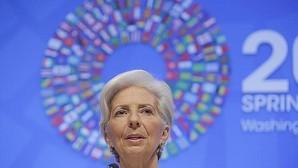 Lagarde aclara que la economía «está en alerta, no en alarma»