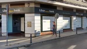 Liberbank plantea un ajuste de 979 empleados y ofrece 30 días por año en las bajas voluntarias