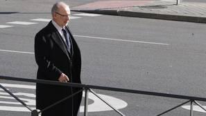 Rato denuncia que los peritos de Hacienda «contaminan» su investigación