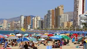 Vivienda y turismo, los sectores más perjudicados por una libra débil en España