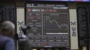 El Ibex vuelve a las pérdidas y cae hasta mínimos de hace tres años