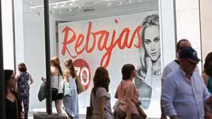 La confianza del consumidor se recupera seis puntos en junio y pone fin a cinco meses seguidos de caídas