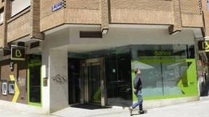 Bankia y sindicatos pactan una subida salarial para 2017 y 2018