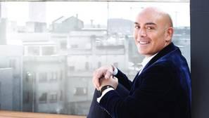 Kike Sarasola: «En los hoteles españoles seguimos sin sonreír al cliente»