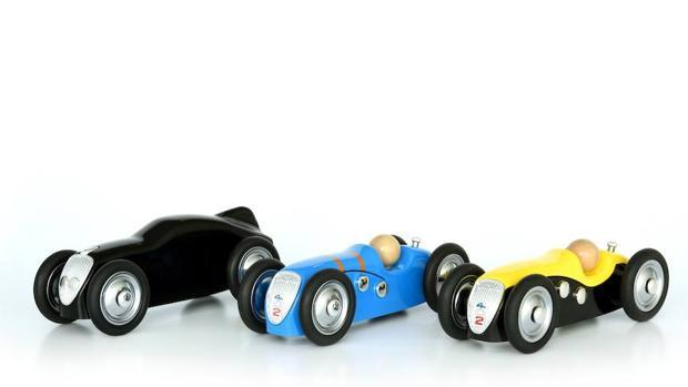 Peugeot lanza dos modelos históricos en coches de juguete