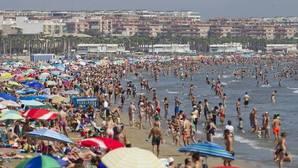 El efecto del turismo eleva el PIB de Baleares, Canarias, Valencia y Murcia