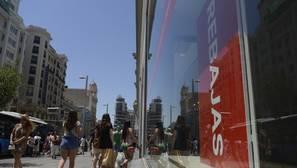 La confianza del consumidor español sube seis puntos en el segundo trimestre del año
