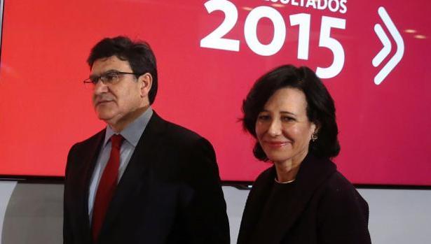 La presidenta del Banco de Santander, Ana Botín, acompañada del consejero delegado, José Antonio Álvarez