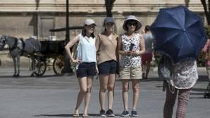 Los turistas extranjeros gastaron 42.942 millones en España hasta julio, un 7,9% más