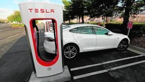 Elon Musk, fundador de Tesla: ¿mago del coche del futuro o «vendedor de motos»?