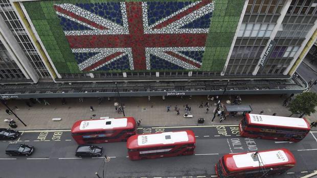 Céntrica avenida londinense (Reino Unido)