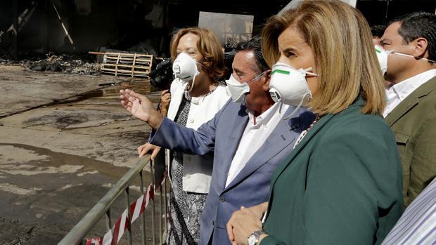 Fátima Báñez visita las instalaciones de Ybarra tras el incendio, en julio pasado