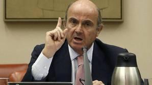 Guindos: «Si no tomamos medidas, sería imposible evitar la multa»