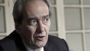 González Páramo asegura que los bancos tienen que dejar de funcionar como ministerios
