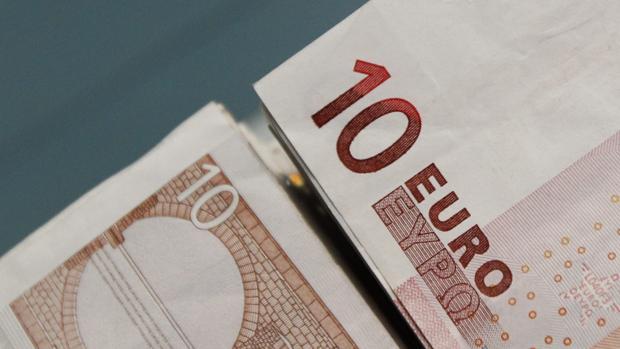 Los bancos necesitan aumentar sus comisiones para generar ingresos